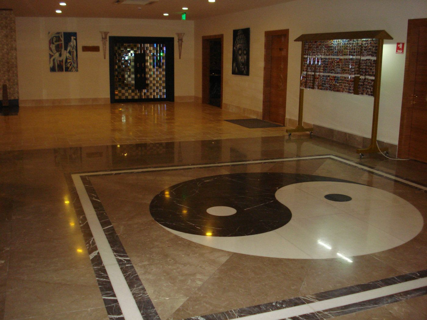 Royal Dragon Otel, Marble Applications